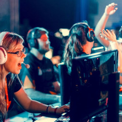 Mulheres e a luta por espaço nos jogos online