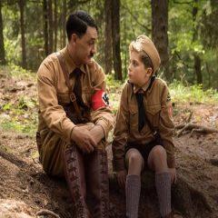 Crítica: Jojo Rabbit é sátira sobre alienação alemã